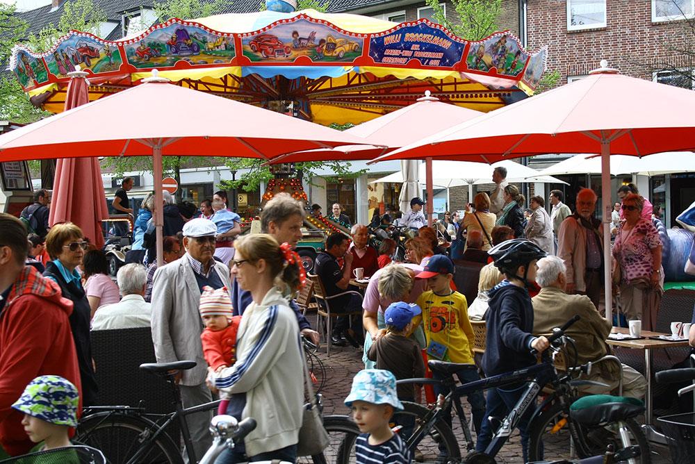 Verkaufsoffener Sonntag in Ahrensburg. Foto:hfr