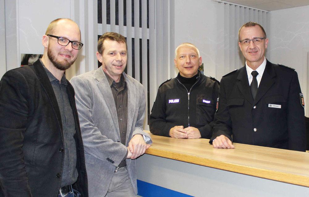 Tobias von Pein mit Ralf Lorenzen, Norbert Patzker und Michael Wilksen. Foto:hfr