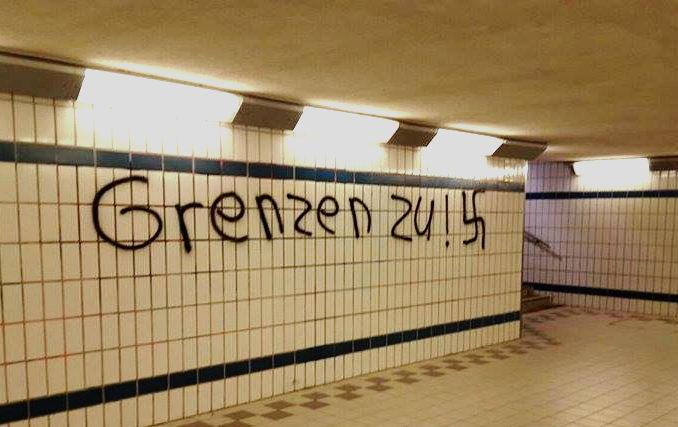 Nazi-Schmierei im Oldesloer Bahnhof Foto:hfr