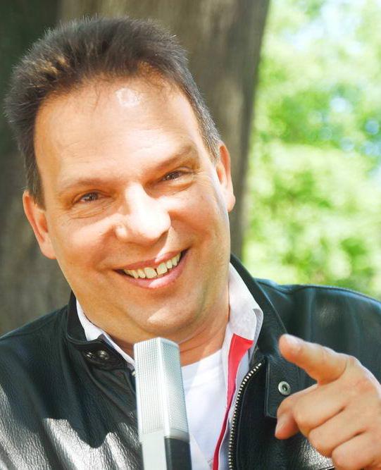 """DJ Martin Hoefling freut sich auf den """"Schwoof im Hof"""" am Freitag- und Sonnabend. Foto: SL"""
