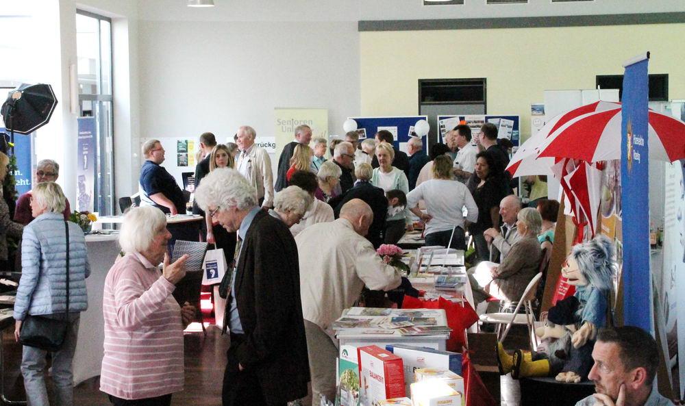 Die Seniorenmesse im Ganztagszentrum Foto: Wilke/hfr