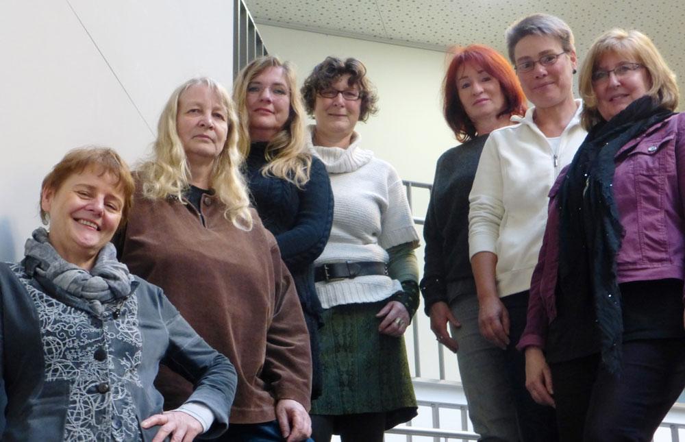 Gabriele Fricke, Marion Gurlit, Maria de Graaff-Willemsen, drei Vertreterinnen des Frauennetzwerkes Ahrensburg und Inge Diekmann (rechts).