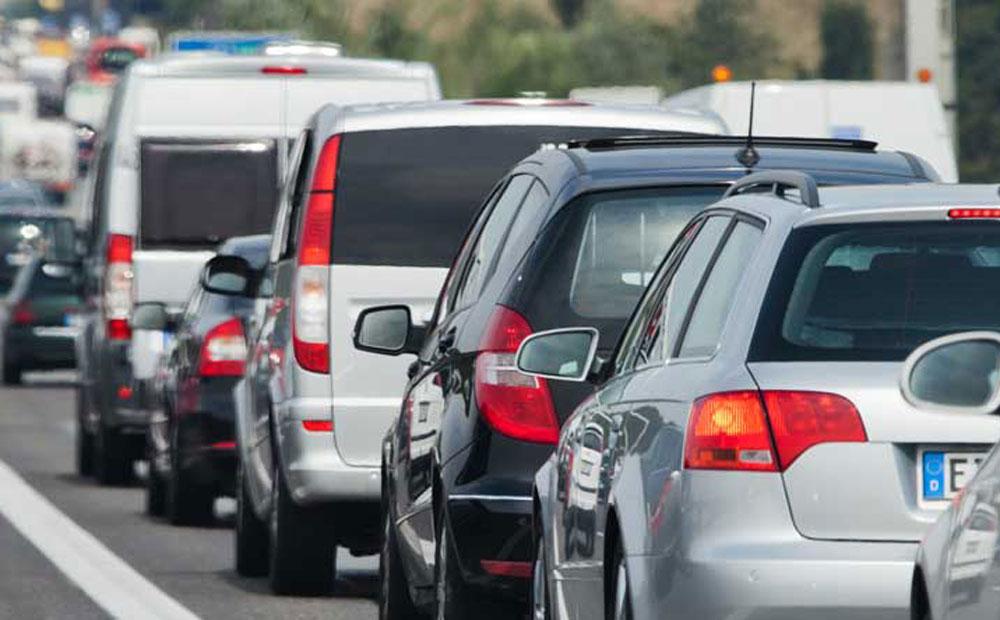 Stau auf der Autobahn (Symbolbild). Foto: shutterstock.com