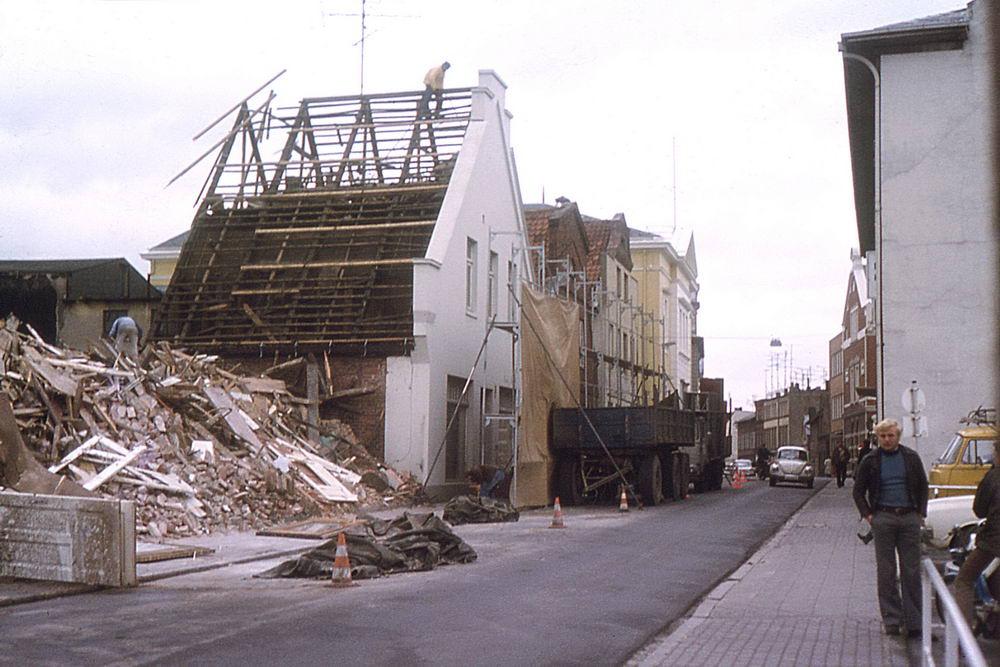 Hagenstraße: Abriss von Gebäuden für den Neubau der Kreissparkasse  Foto: Kreisarchiv