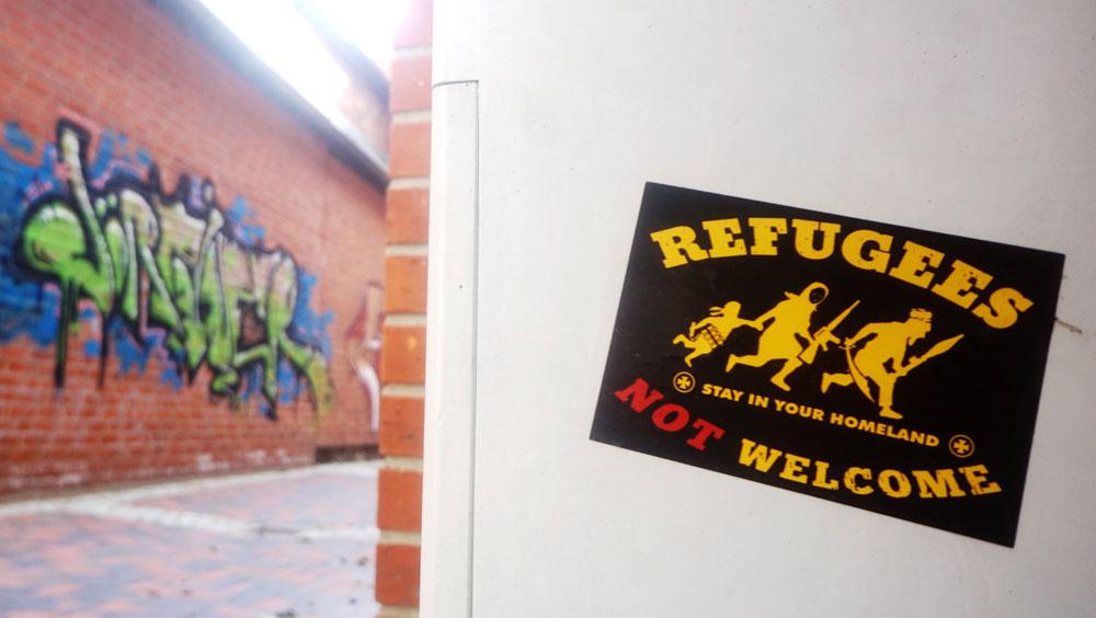 Rechtsradikale Aufkleber In Oldesloer Innenstadt Staatsschutz Ermittelt