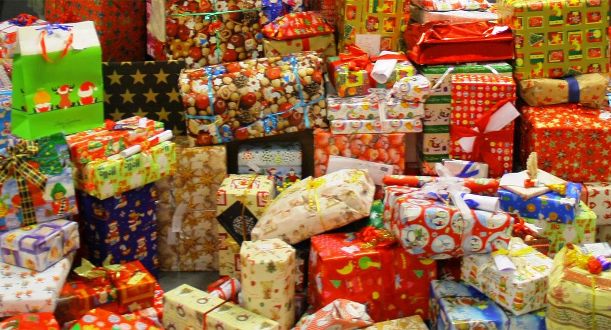 Wunschzettelaktion in Ahrensburg: Weihnachtsgeschenke für arme Kinder